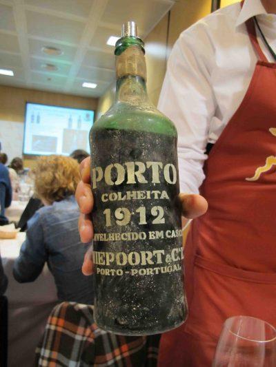 Un vino de Oporto con 100 años... casi nada