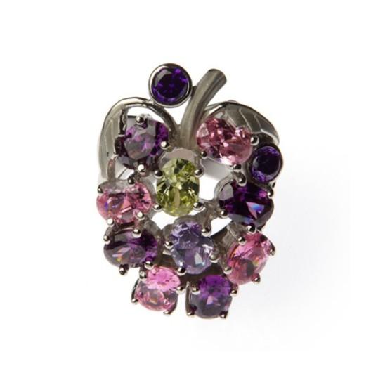 ...Y este anillo en forma de uvas enverando